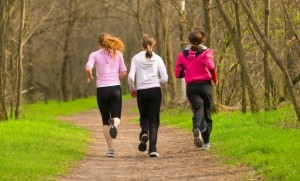 group-of-women-running_5816431-660x400